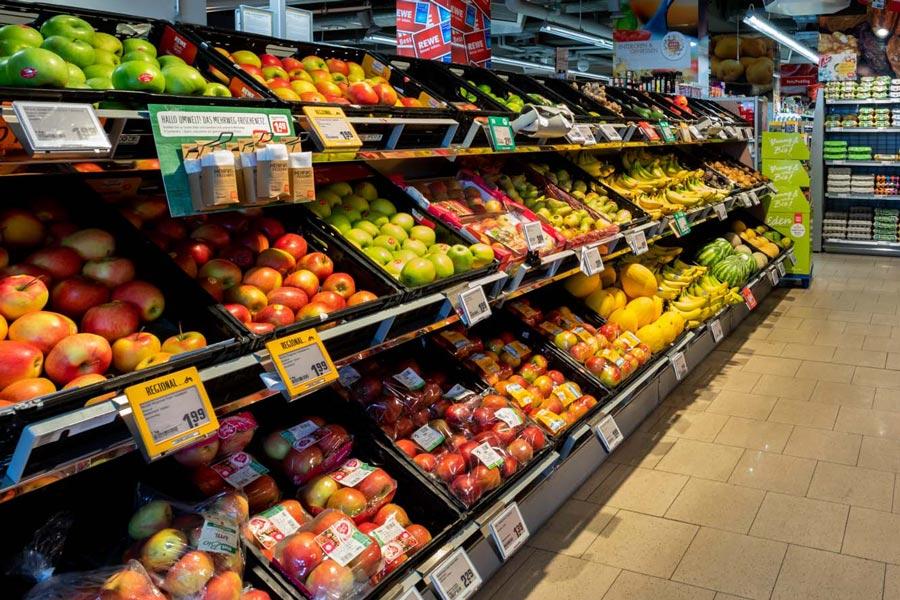 Frisches Obst und Gemüse bei REWE